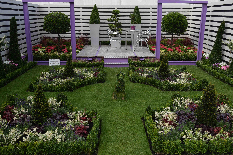 Southport flower show gardens the biking gardener for Topiary garden designs