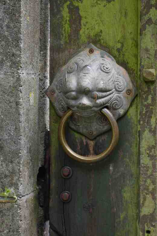 I love this door handle :)